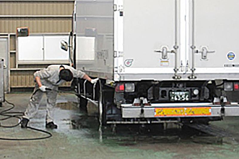 洗車スペース・高圧洗車機